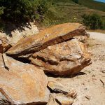 piedras-segovia-jardineria-monolitos-dorado-2