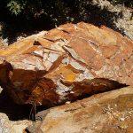 piedras-segovia-jardineria-monolitos-dorado-3