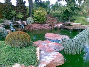 piedras-segovia-jardineria-monolitos-rojo-3