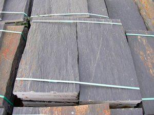 piedras-segovia-piedras-irregulares-cuarcita-negra-rugosa-1
