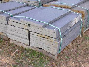 piedras-segovia-piedras-irregulares-cuarcita-negra-rugosa-3