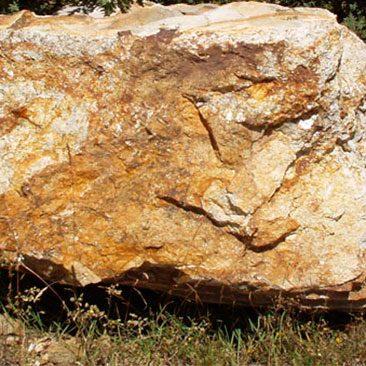Piedras Segovia - Jardinería - Monolitos: Dorado