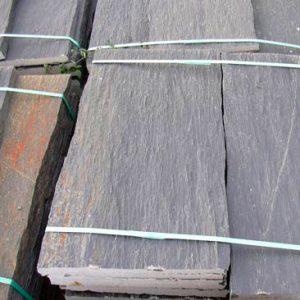 Piedras Segovia - Piedras irregulares: Cuarcita negra - rugosa